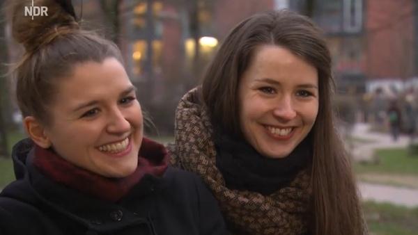 Die Schwestern Josepha und Cosima, vom norddeutschen Indie-Pop-Duo JOCO.