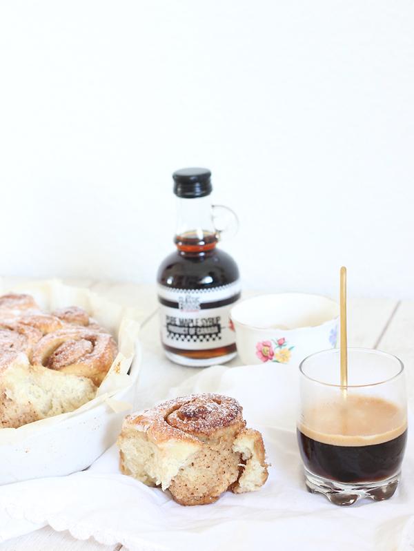 vanilla and cinnamon rolls