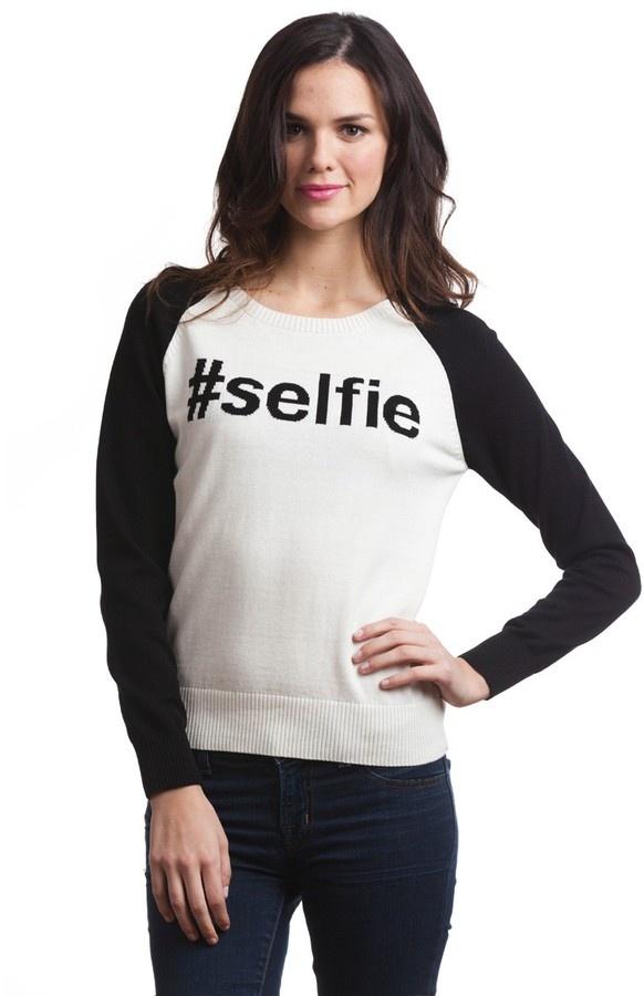 525 America #selfie Sweater