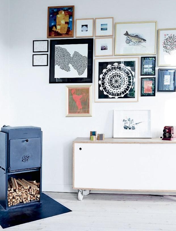http://cocolapinedesign.com/2014/07/18/hues-blue-family-home-bronshoj/