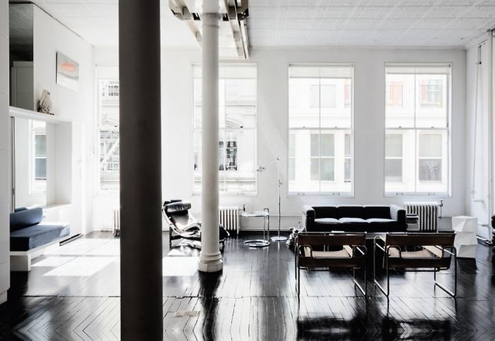 http://www.fashionsquad.com/a-lovely-blackwhite-nyc-loft/
