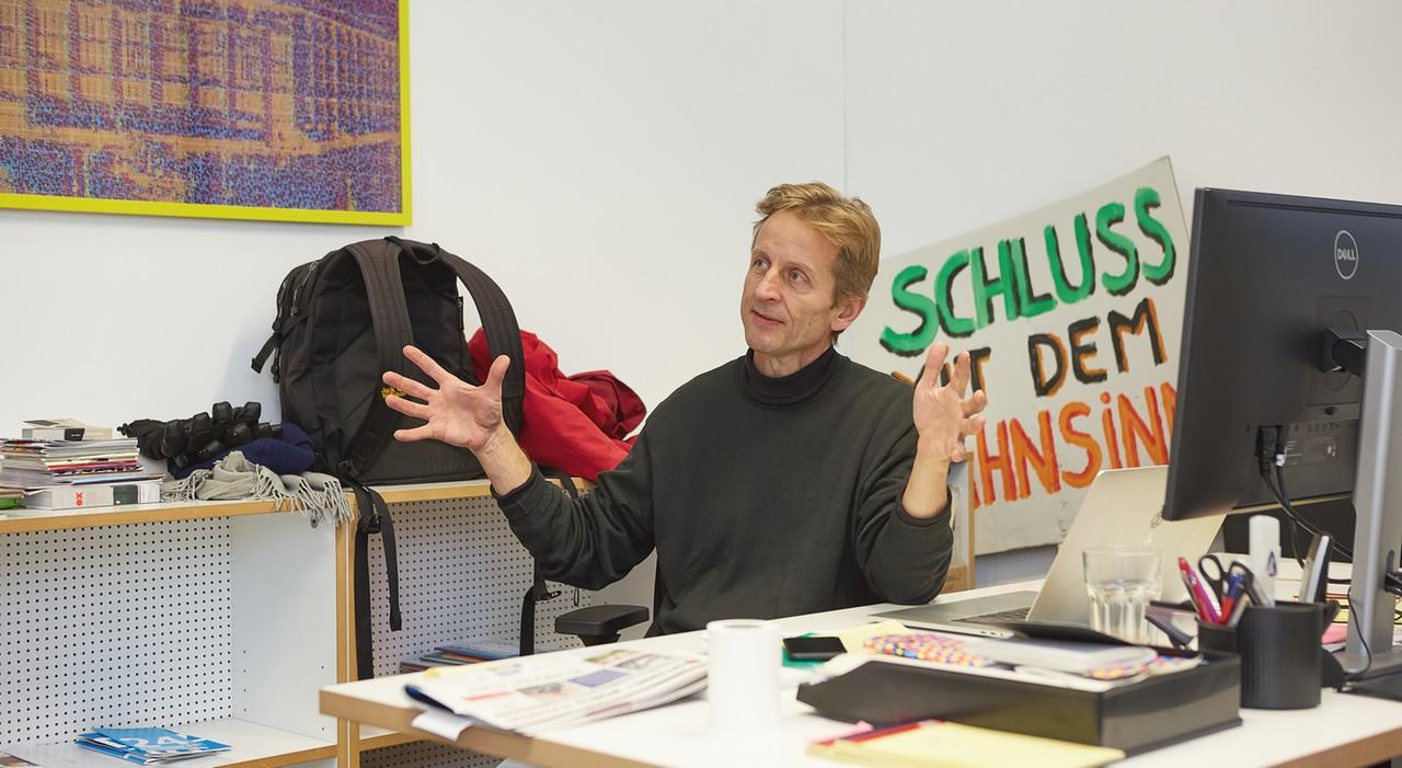 Modulor Geschäftsführer Christof Struhk im Gespräch über das Dilemma: Zwischen Plastikkram und Klimaaktivismus