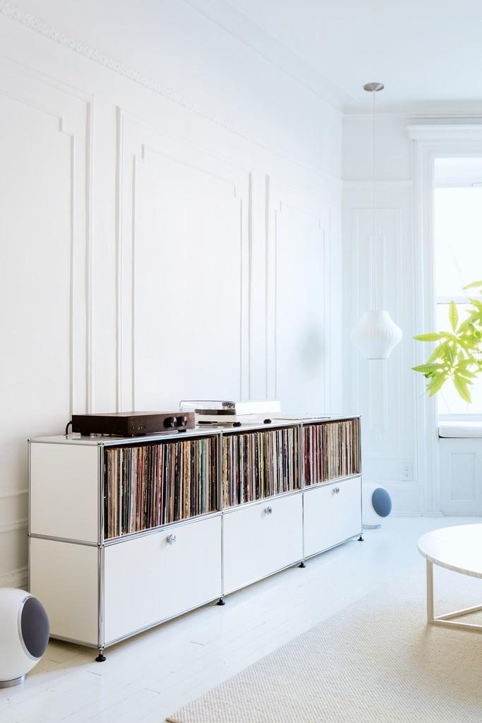 das perfekte hifi m bel usm haller minimum. Black Bedroom Furniture Sets. Home Design Ideas
