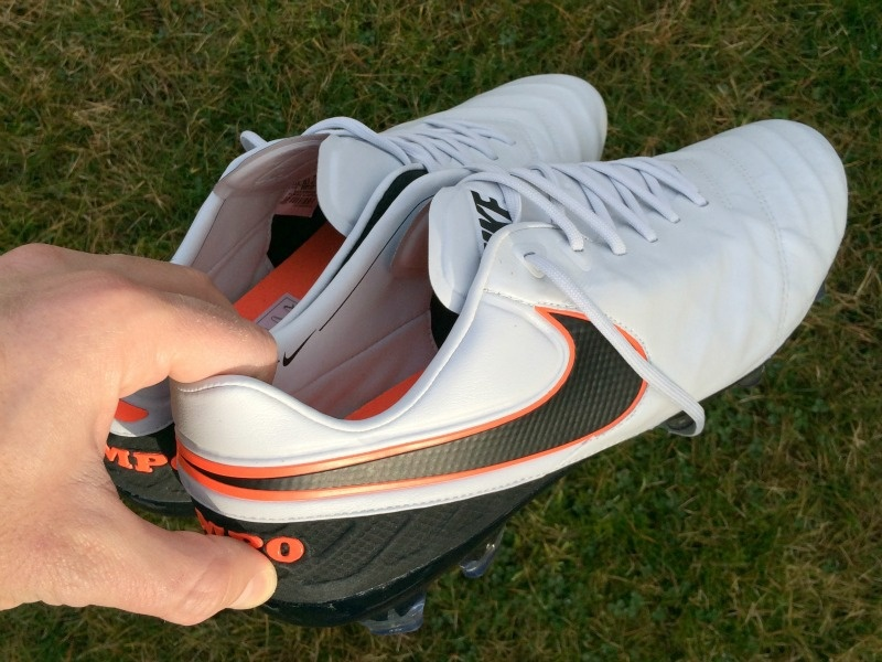 Känguruleder Fußballschuhe pflegen: Den Sportschuh fit halten