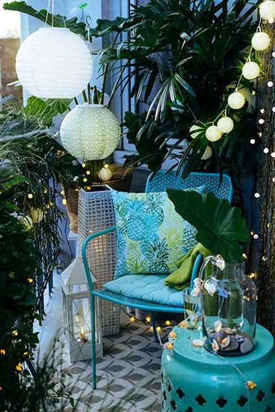kleine balkone sch n gestalten die besten tipps. Black Bedroom Furniture Sets. Home Design Ideas