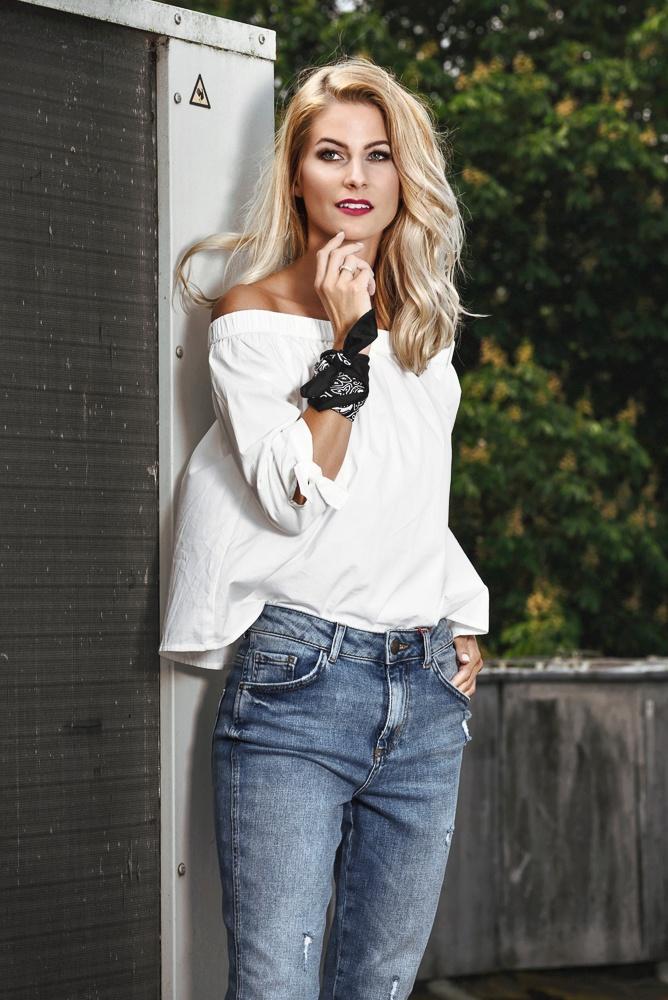 ohlala open cut jeans sind ein muss. Black Bedroom Furniture Sets. Home Design Ideas