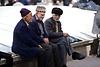 Drei Herren in den Straßen von Tabriz