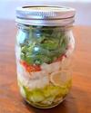 Gesundes Mittagessen: Capresesalat im Glas