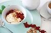 Goji Beeren mit griechischem Joghurt, Honig und Walnüssen