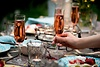 Rosé schmeckt nicht nur gut – er schmückt den Tisch zudem hervorragend!