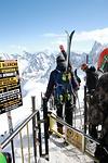 Ski am Rucksack befestigen