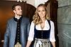 Zwei Models in Tracht von Berzaghi & Freymann