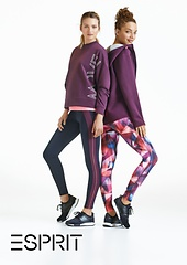 Sporthoodie, in Bordeaux, 49,99 € Sweatshirt mit Print, in Bordeaux 39,99 € Leggins mit Streifen, 49,99 € Leggins, gemustert, 45,99 €
