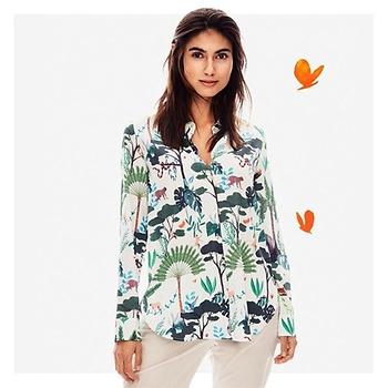 e5745412219bdd Die Herren profitieren natürlich ganz genauso von den beliebten  Safari-Farben und tropischen Mustern. Während ein Allover-Print für coole  Statement-Looks ...