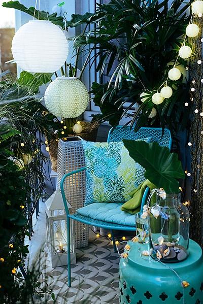 balkon klein gestalten kleine terrasse gestalten bilder kleiner garten unzhlige so wenig wie. Black Bedroom Furniture Sets. Home Design Ideas