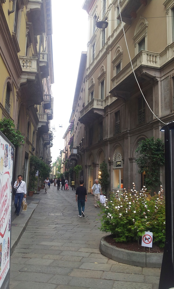 """Die """"Via della Spiga"""" lockt mit Luxusmarken und malerischem Ambiente"""