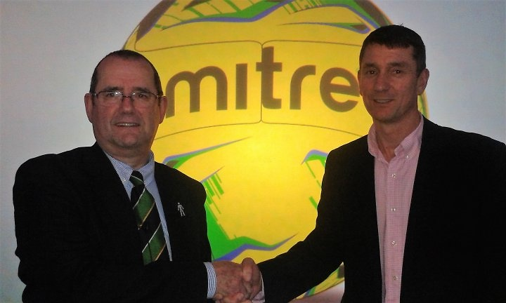 Ryman League chairman Nick Robinson is pictured shaking hands on the new partnership with Chris Degnan of Mitre.