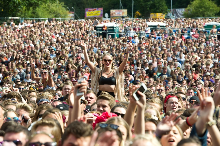 IT'S WELLIES AT THE READY - 2016'S FESTIVAL HEADLINERS ARE ANNOUNCED