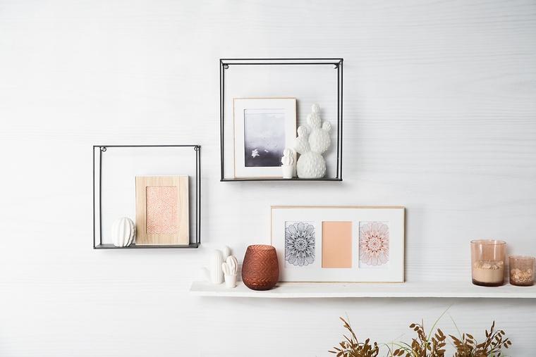 Moderne Wohnwand Mit Bildern Und Deko