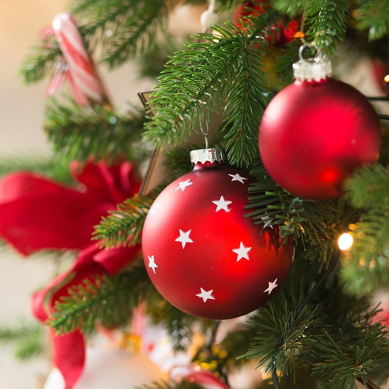 Weihnachtsbaum schmücken - Tipps und Tricks