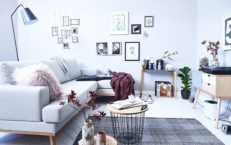 Erstaunlich Wohnzimmer Im Skandinavischen Einrichtungsstil. Helle Farben Und Natürliche  Materialien Zeichnen Den Look Aus